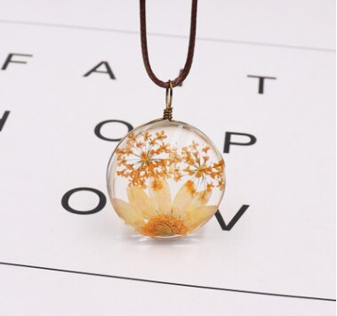 Loving Dried Ball Necklace