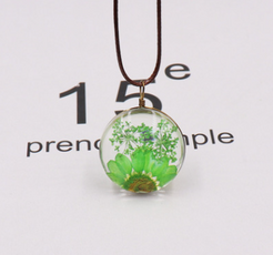 The Green Dried Ball Necklace