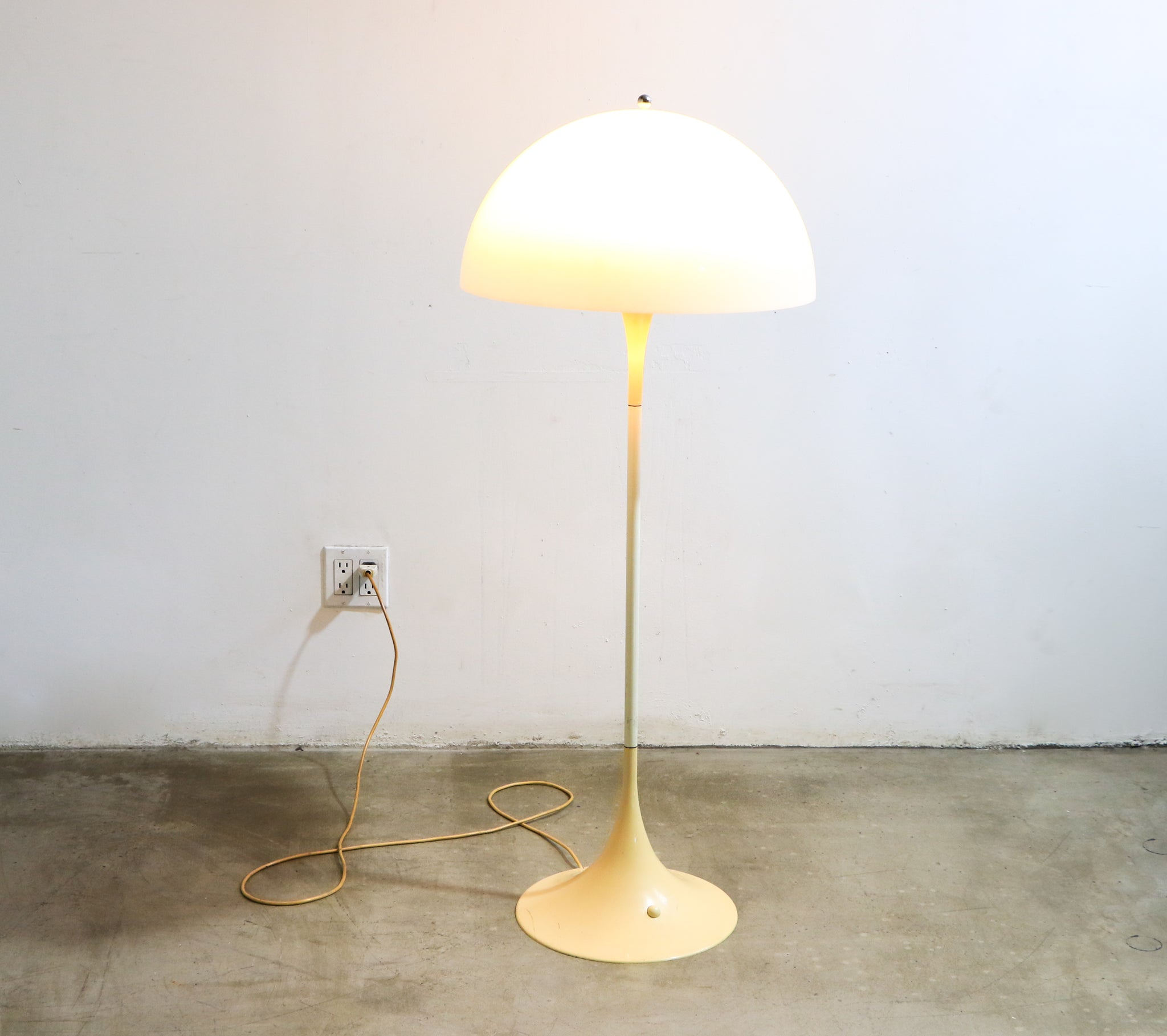 Panthella Floor Lamp Circa. 1971
