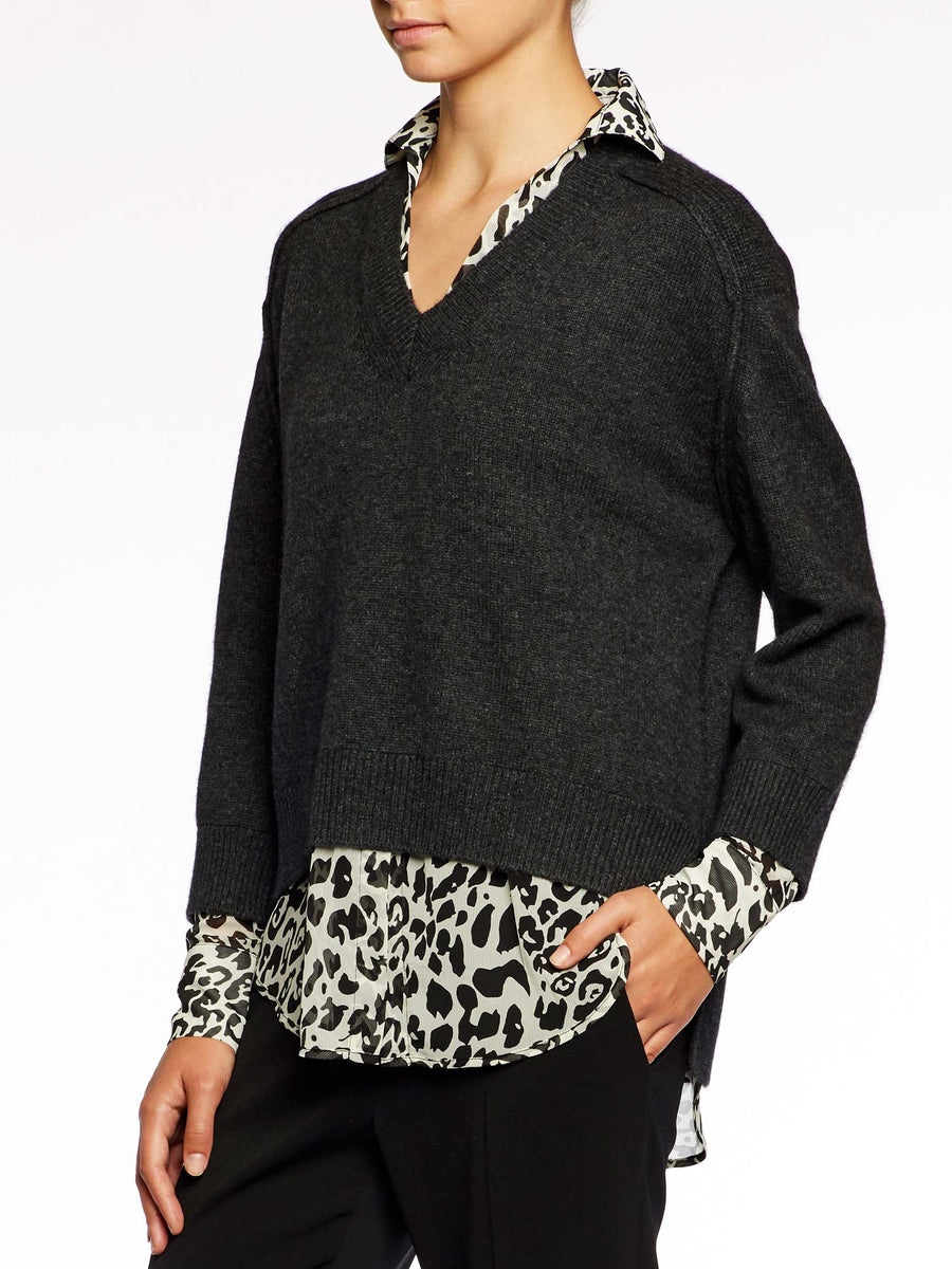The V-neck Printed Layered Pullover