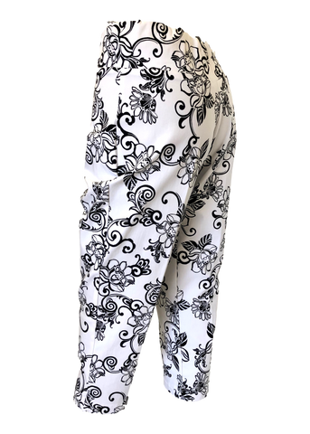 Stretch Comfort Capri in Black and White Floral