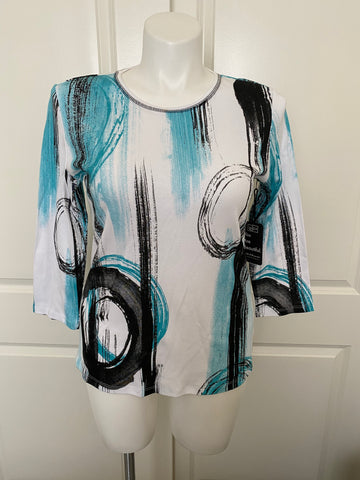 Jess and Jane 3/4 Sleeve Printed Cotton Tee in Graphic Teal and Black
