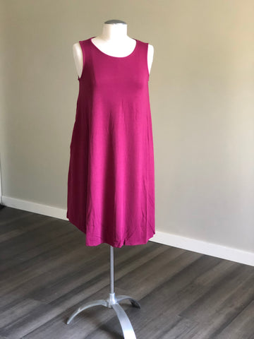 Sleeveless Swing Dress with Pockets in Magenta