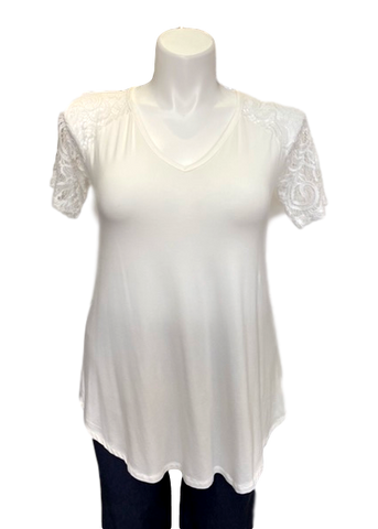 Short Sleeved Lace V-Neck Tee in Ivory