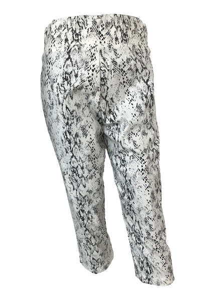Stretch Comfort Capri Black and White Snakeskin