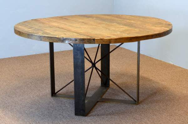 Round Farm Table With Steel Pedestal