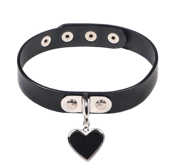 Charmed Heart Leather Choker Black