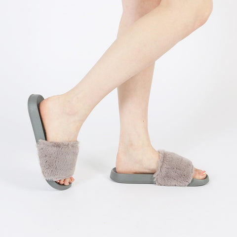 KENDAL FAUX FUR SLIDER IN GREY