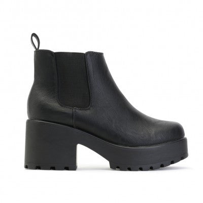 Chunky Chelsea Ankle Boots Black