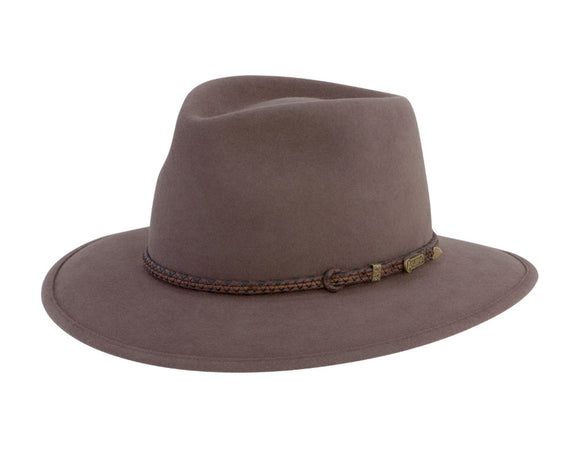 Akubra 'Traveller' in Regency Fawn