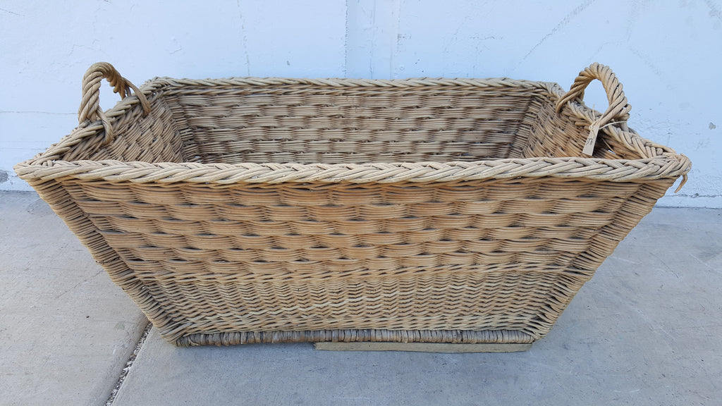Wicker basket open