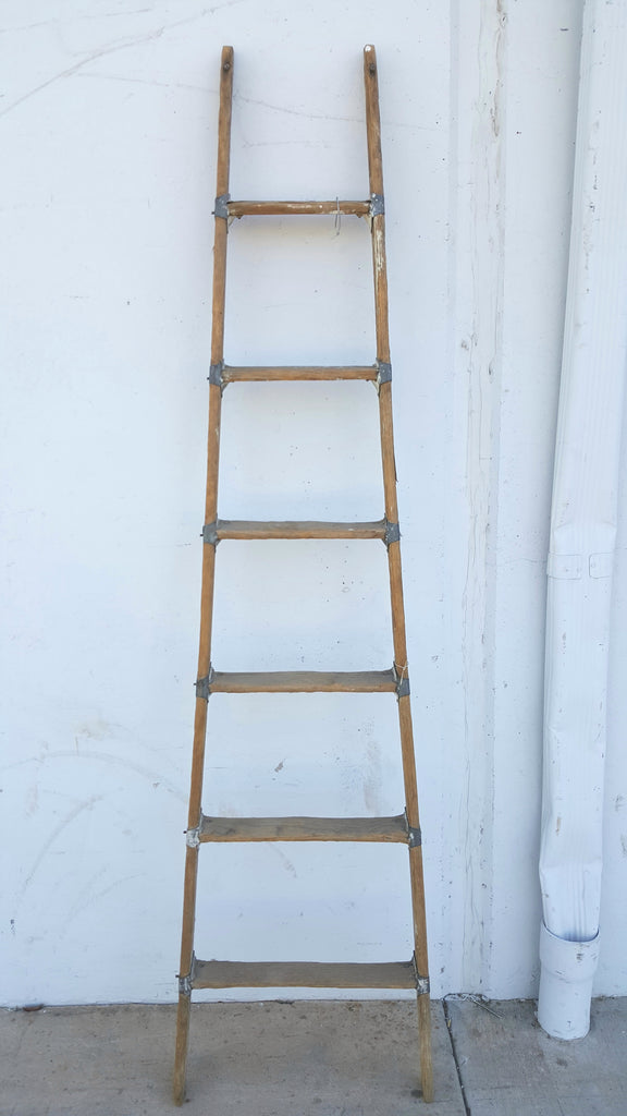 Wooden 6 Rung Ladder