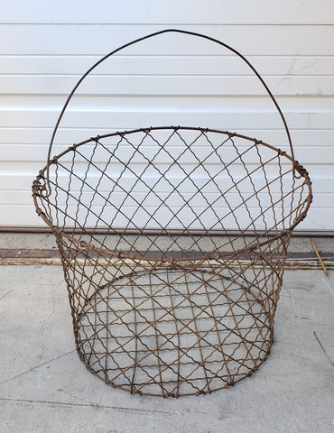 Large Round Wire Basket with Handle