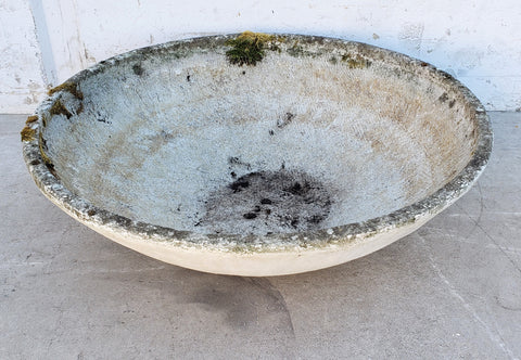 Round Willy Guhl Concrete Planter