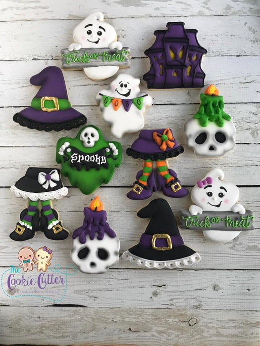 Spooky Trick Or Treat Halloween Iced Sugar Cookies created by @cookiecutterfl featured on TheIcedSugarCookie.com #halloweencookies #ghostcookies #halloweensugarcookies #halloween #icedsugarcookies #theicedsugarcookie