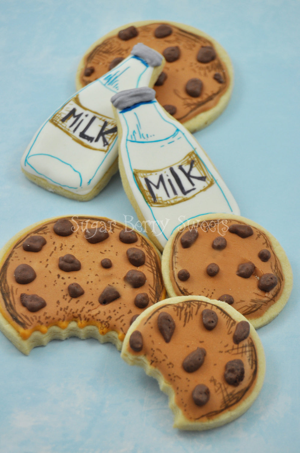 Milk And Cookie Birthday Party Sugar Cookies TheIcedSugarCookie.com Sugar Berry Sweets