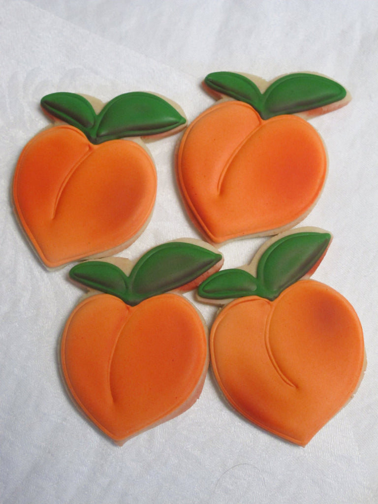 Georgia Peach Bridal Shower Iced Sugar Cookies | TheIcedSugarCookie.com | Marta's Cakes And Cookies #cookies #sugarcookies #decoratedcookies #peachcookies #peachparty