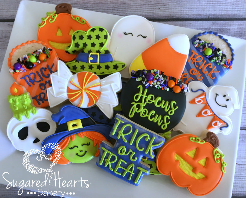Halloween Sugar Cookies baked by @sugaredheartsbakery was featured on TheIcedSugarCookie.com #halloweencookies #halloweensugarcookies #witchcookies #ghostcookies #pumpkincookies #sugarcookies #cookies