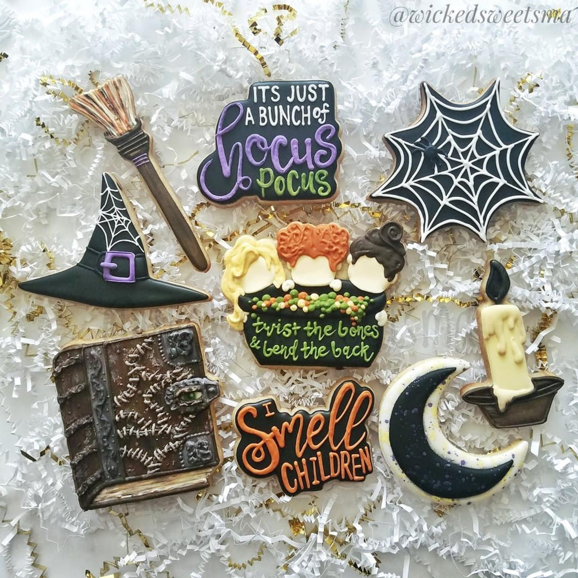 """I Smell Children"" Hocus Pocus Halloween Cookies by Wicked Sweets Ma on TheIcedSugarCookie.com"