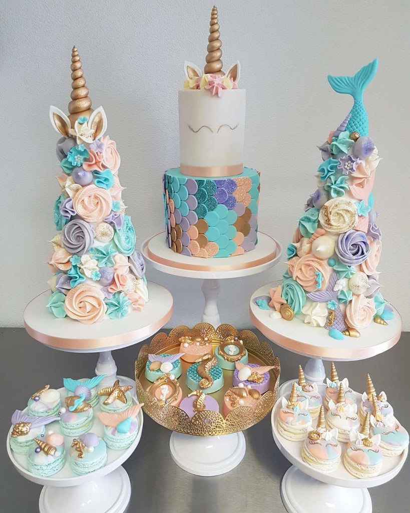 Mermaid Unicorn Birthday Party Cakes Cupakes Macarons The Iced Sugar Cookie by Taartje van lot #mermaid #unicorn #mermaidcupcakes #unicorncupcakes