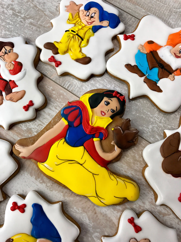 Enchanting Snow White And The Seven Dwarfs Birthday Party Sugar