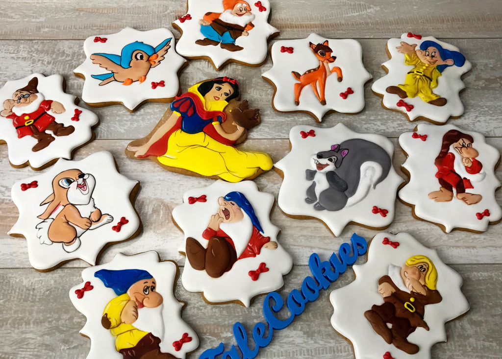 Enchanting Snow White And The Seven Dwarfs Birthday Party Sugar Cookies TheIcedSugarCookie.com Tale Cookies