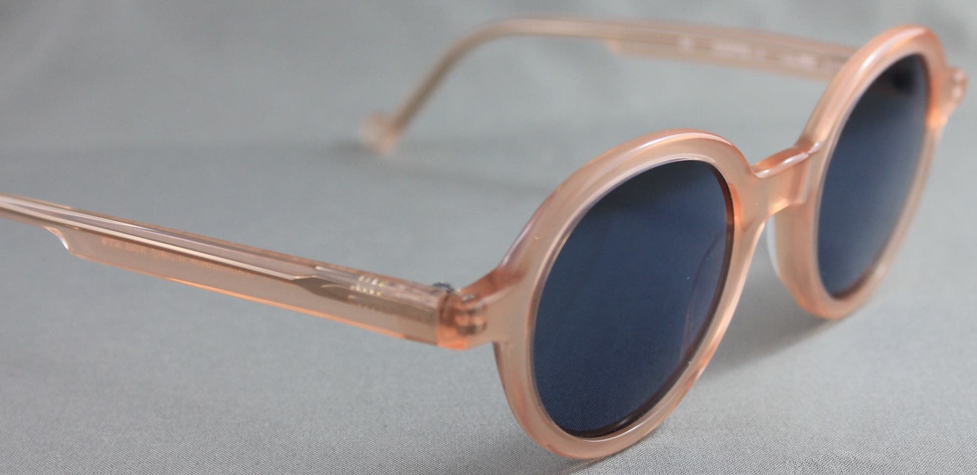 Each frame name is a homage to an acclaimed writer.