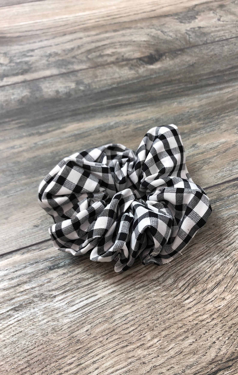 Gingham Scrunchie - Black ShopatGrace.com