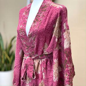 Pink Floral vintage crepe silk kimono - The Fox and the Mermaid