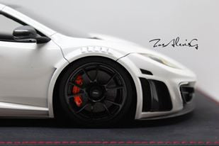 APM 1/18 Mansory MP4-12C (White/Carbon Fiber)