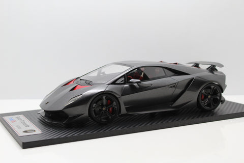 1:18 Sesto Elemento (Closed) Matte Carbon Fiber
