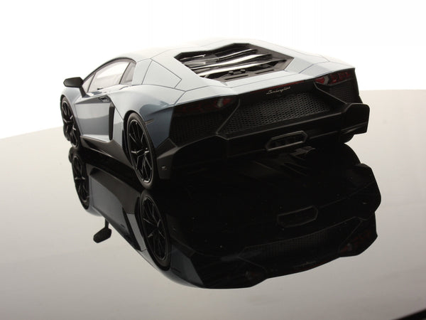 MR 1:18 Lamborghini Aventador LP720-4 50th Anni.