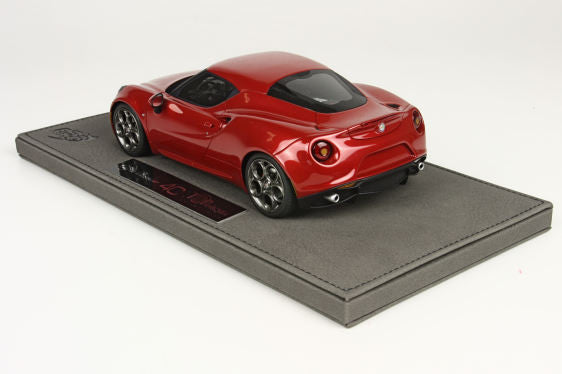 Top Marques 1:18 Alfa Romeo 4C (8C met. red)