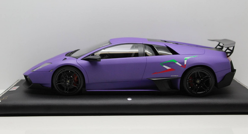 MR Collection 1:18 Lamborghini Murcielago LP670-4 Superveloce (Matt Purple w/ Italian SV)