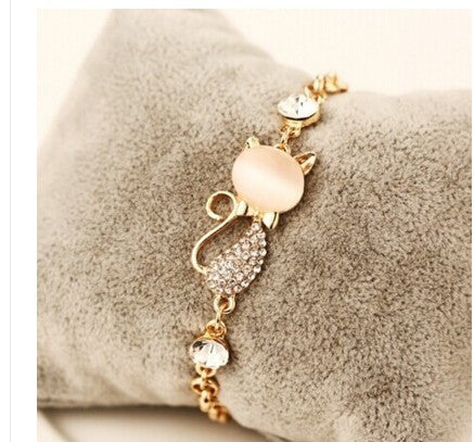 Cat's Eye Cute Cat Charm Bracelet