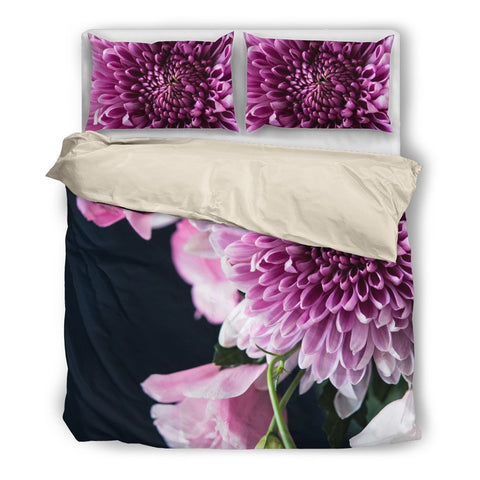 Purplish White Bedding Set