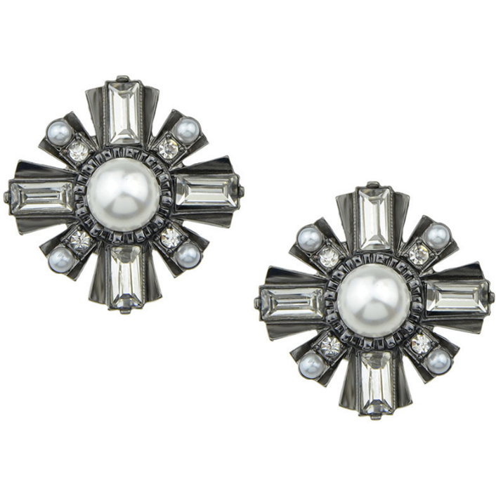 Eyes On Me Studs - Earrings - Kerkés Fashion