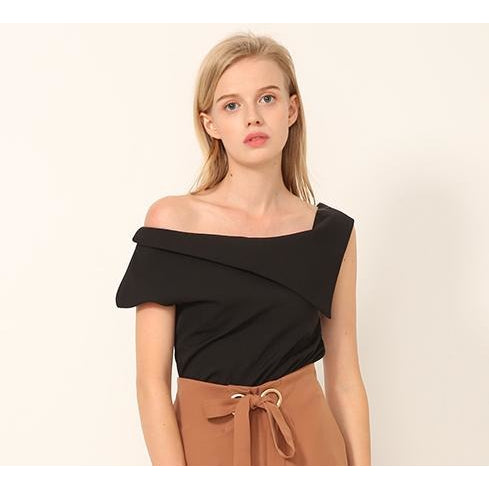 Emmy One Shoulder Collar Top