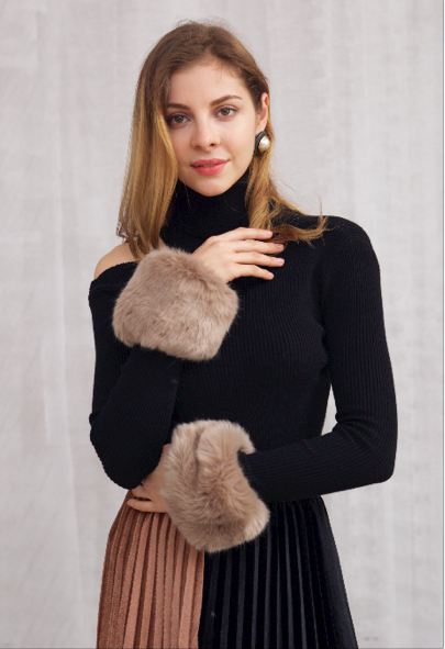 Fur Cuff Cutout Knit Top