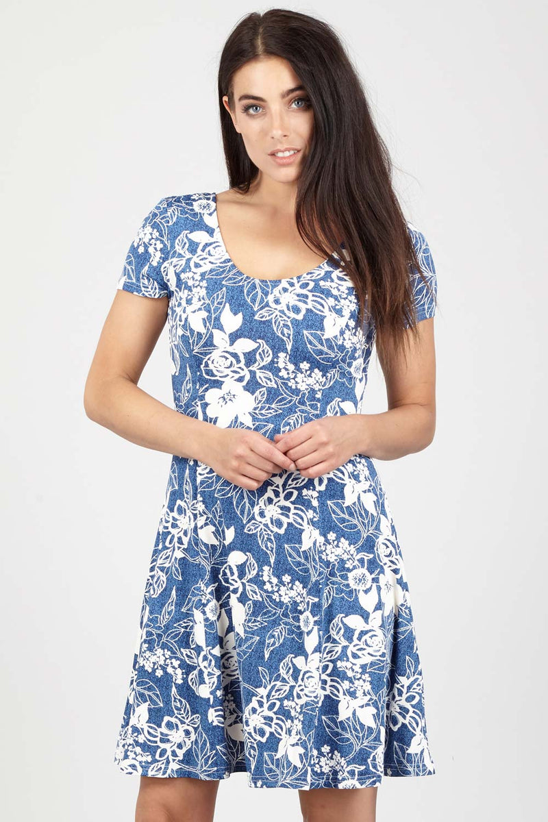 Ditsy Floral Tea Dress - Izabel London