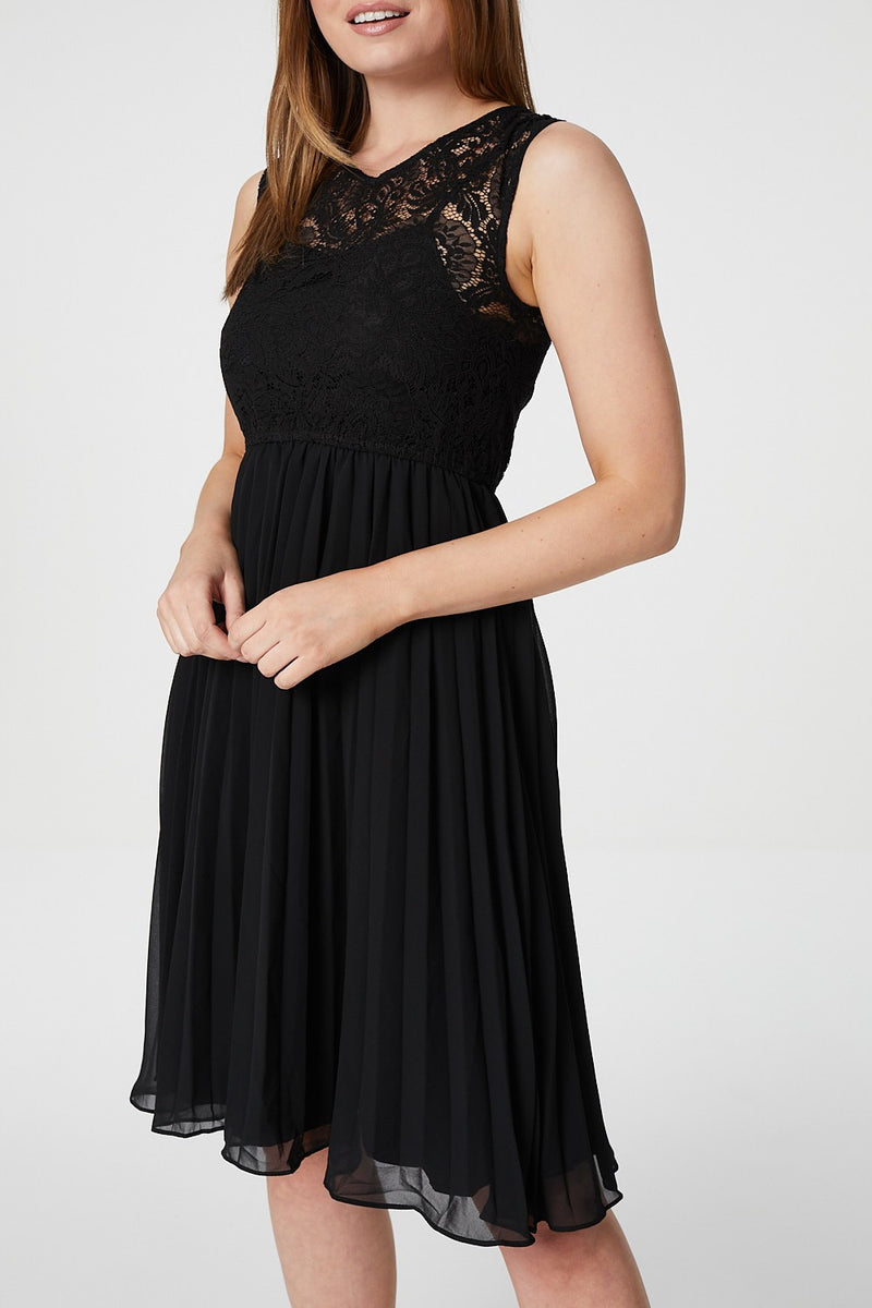Black | Lace Bodice Pleated Dress