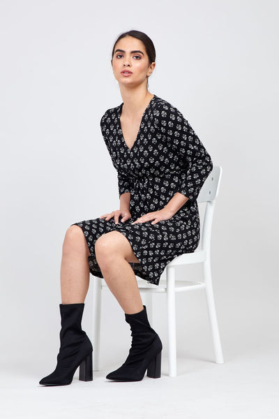 Black | Wallpaper Print V-Neck Tea Dress