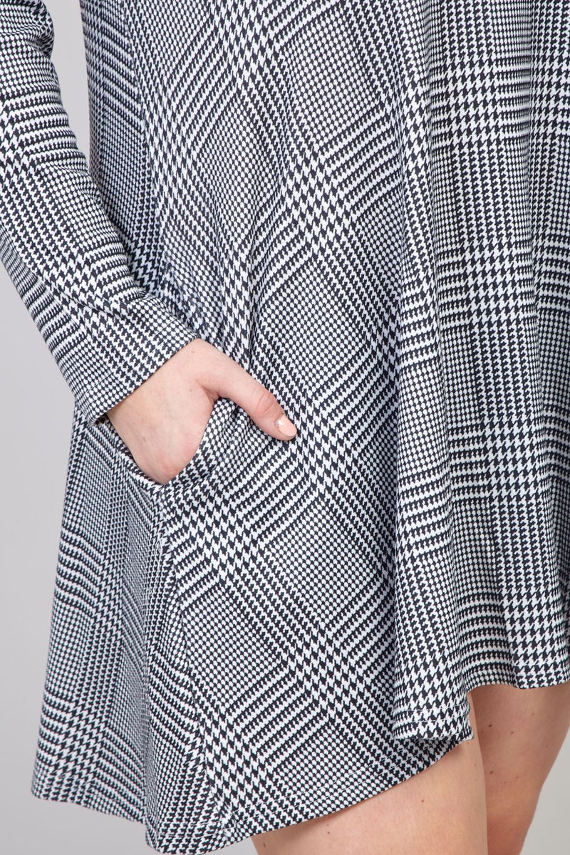 Black | Curve Checked Swing Dress