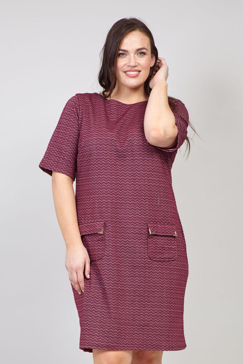 Red | Curve Chevron Print Shift Dress