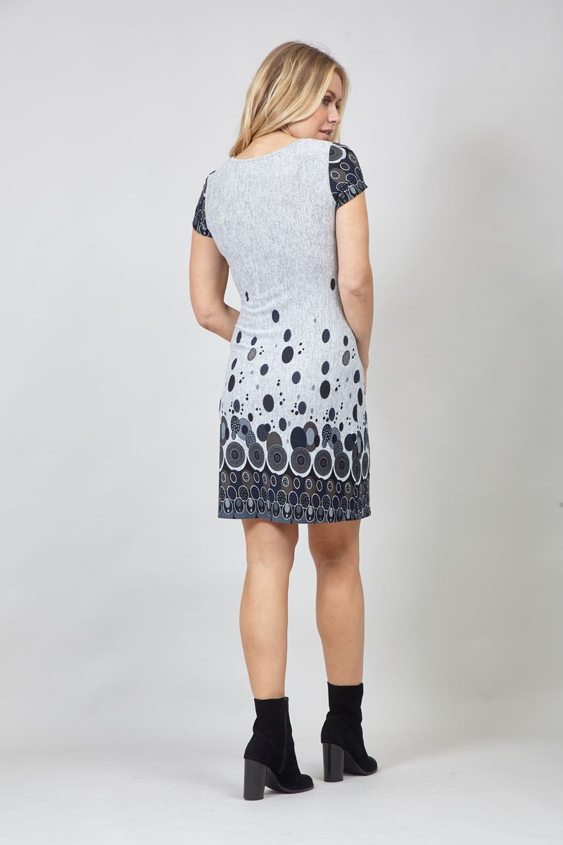 MULTI GREY | Circle Print Shift Dress