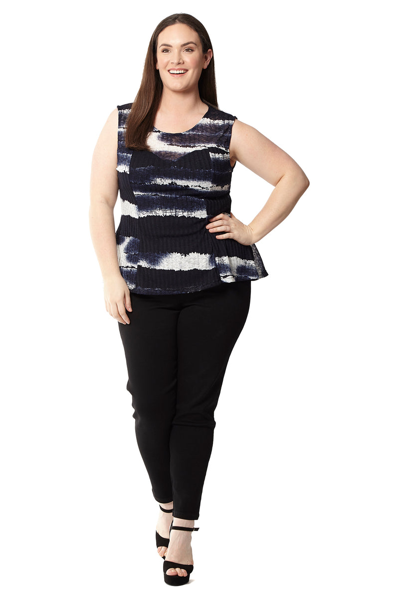 Navy | Curve Dipped Hem Top