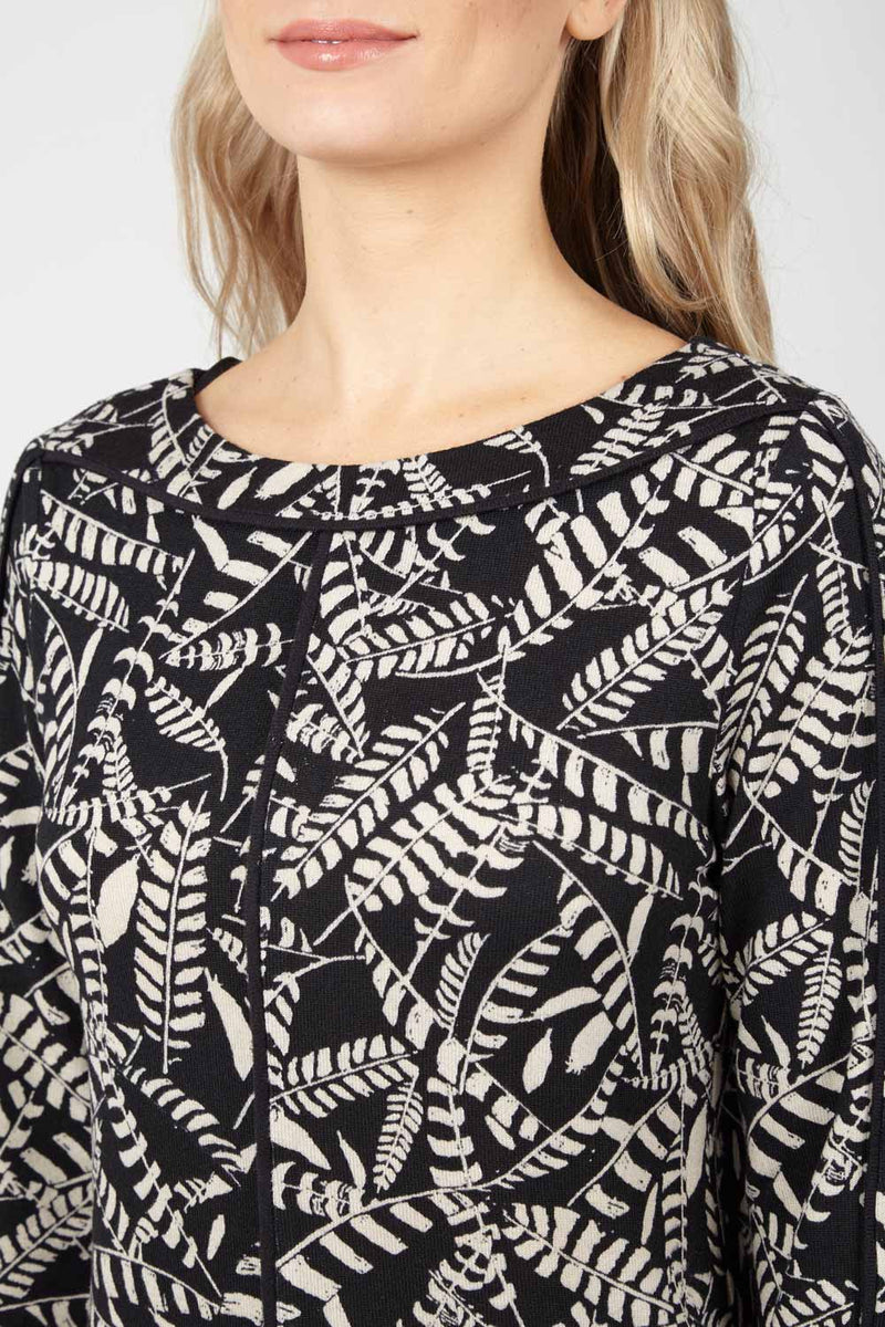 Navy | Abstract Knit Top