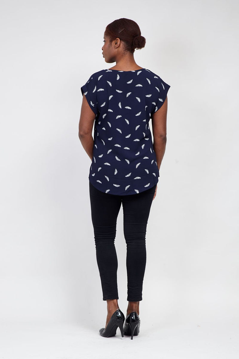 Navy | Curve Feather Print T-Shirt