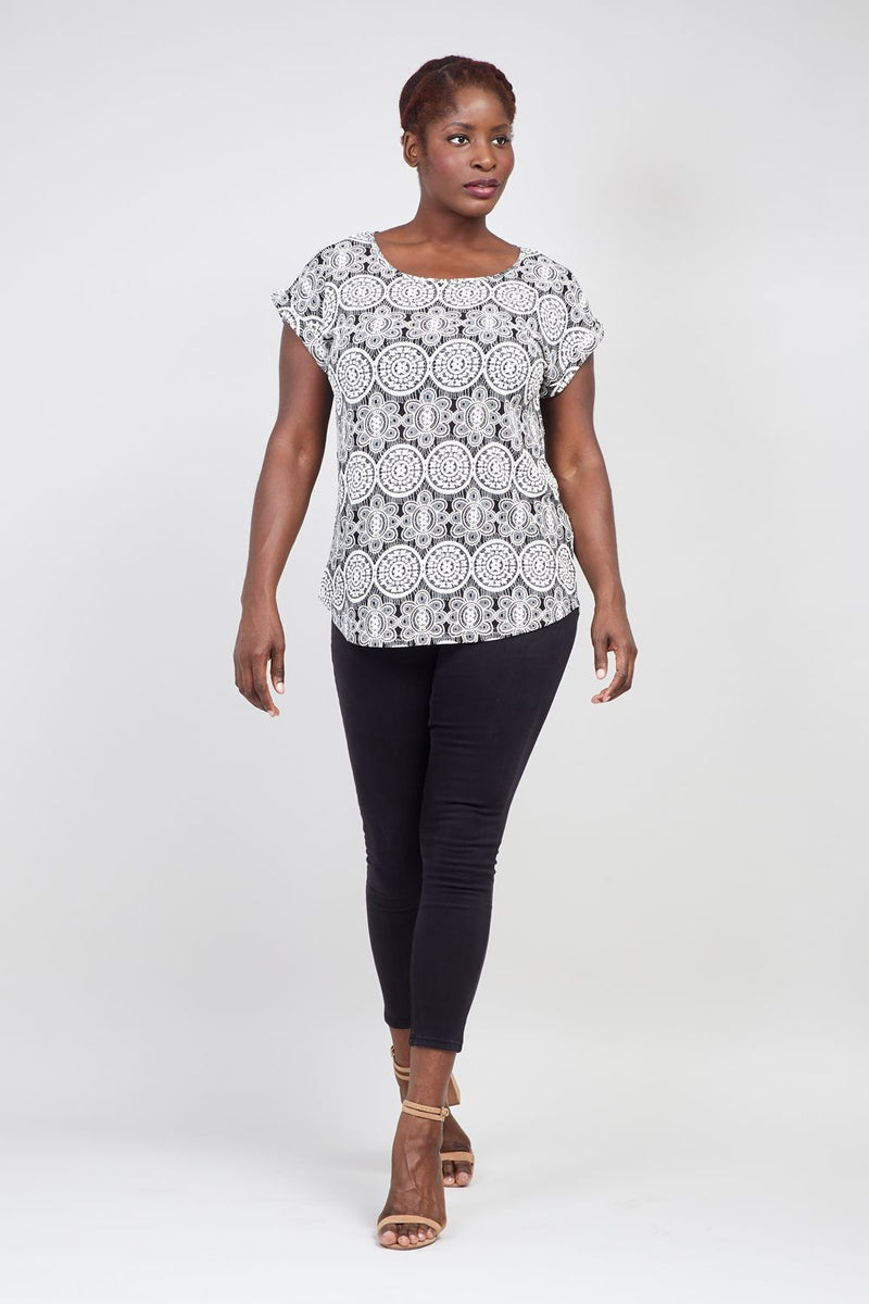 Black And White | Curve Mosaic Print T-Shirt