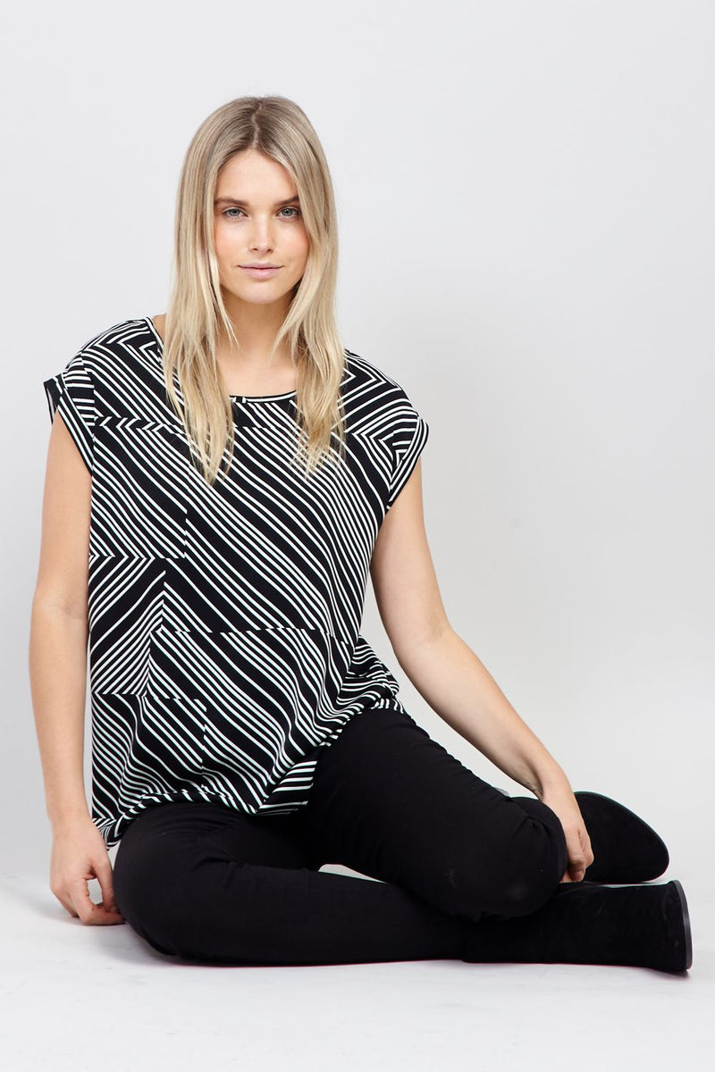 Black | Abstract Stripe T-Shirt